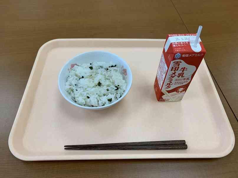 ヒトサラ わかめご飯 IMG_4419[1].jpg